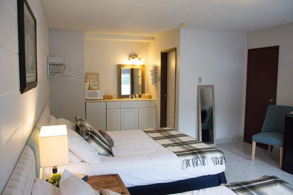 christina_lake_motel_and_rv_park_motel_room
